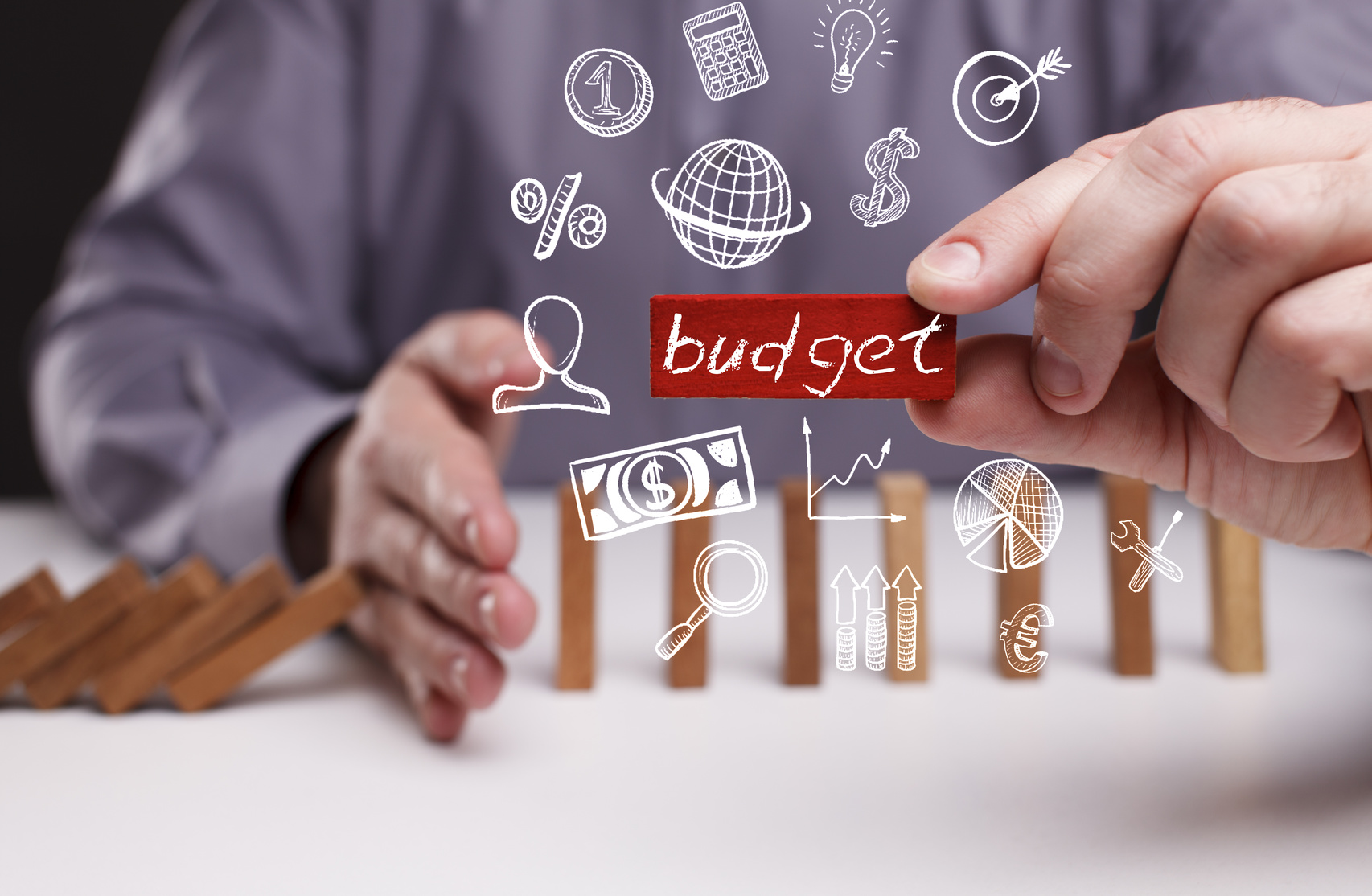 how to create effective online training courses on a budget your